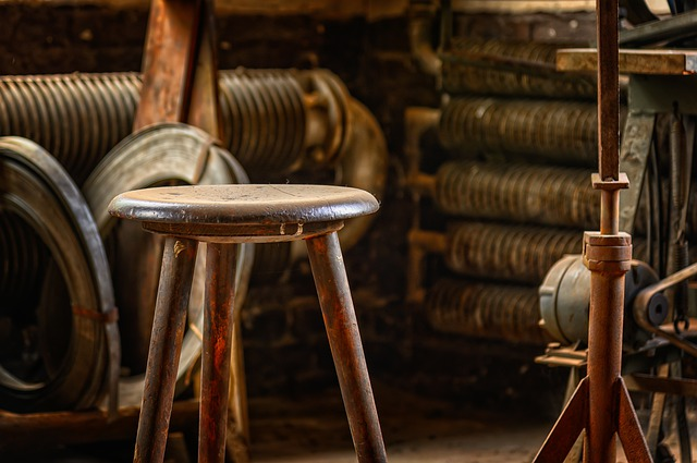 A leather chair sitting on top of a wooden table